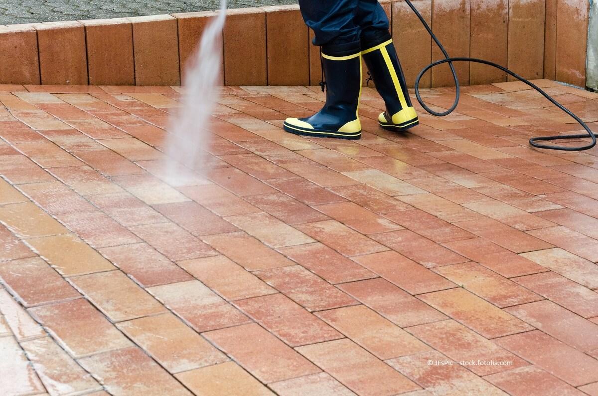 Hauswartung und Gartenpflege: Nicht nur im Frühling